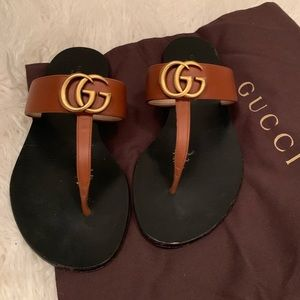 Women's Gucci Marmont T-strap sandal size 35 used